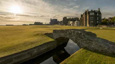 What Are Some St. Andrews Golf Vacation Packages?