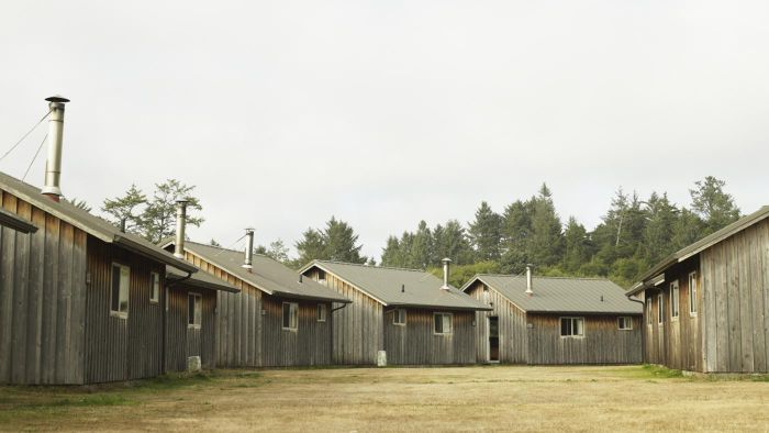 What Are Some Types of Prefabricated Cabins?