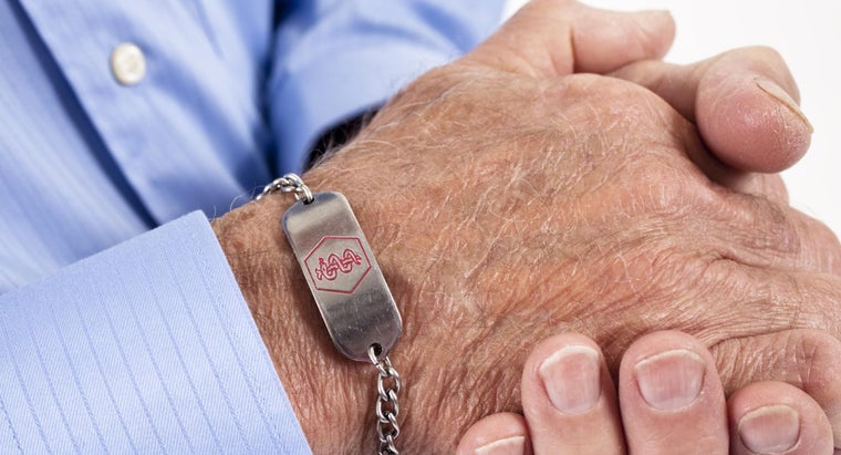 What Are Some Different Medic Alert Bracelets?