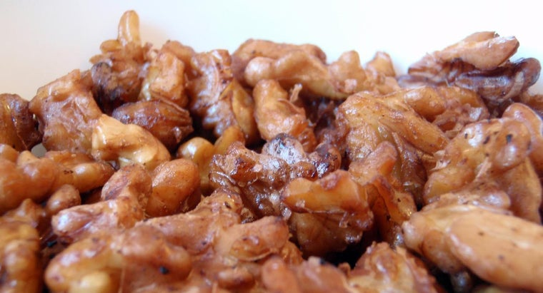 What Is a Quick and Easy Recipe for Candied Walnuts?