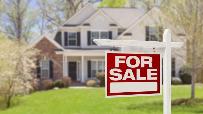 What Are Some Tips for Selling a House on a Website?