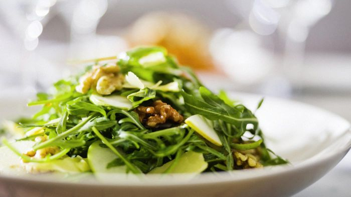 What Are Some Good Walnut and Pear Salad Recipes?