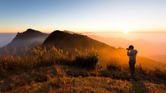 Do You Have to Use a Special Lens to Photograph a Sunrise or Sunset?