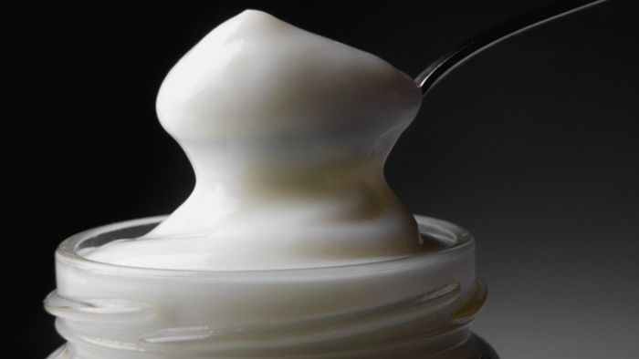 What Is a Simple Gluten-Free Mayonnaise Cake Recipe?