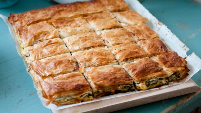 What Is an Easy Way to Make Spanakopita?