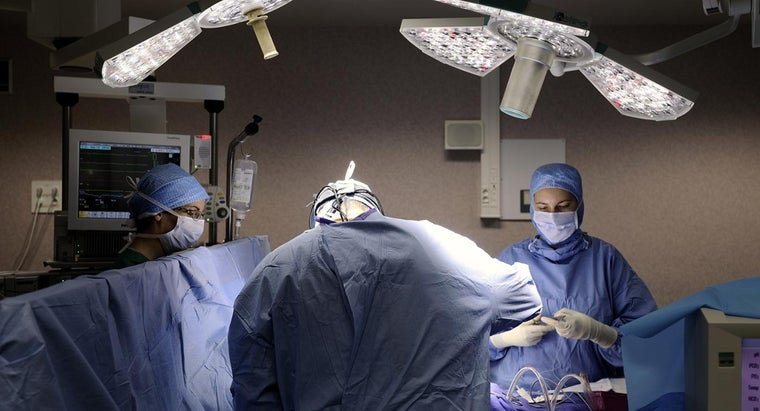 What Are Some Surgical Assistant Schools?