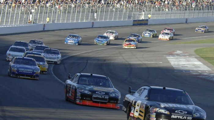 Where Does NASCAR Post the Starting Lineup for the  Sprint Cup?