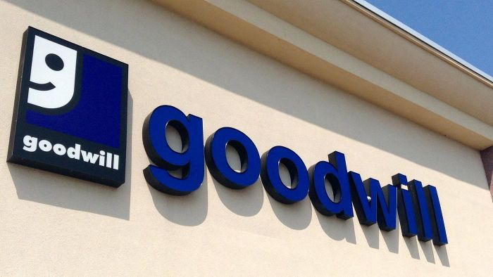 Does Goodwill Offer Pick-up at California Locations?