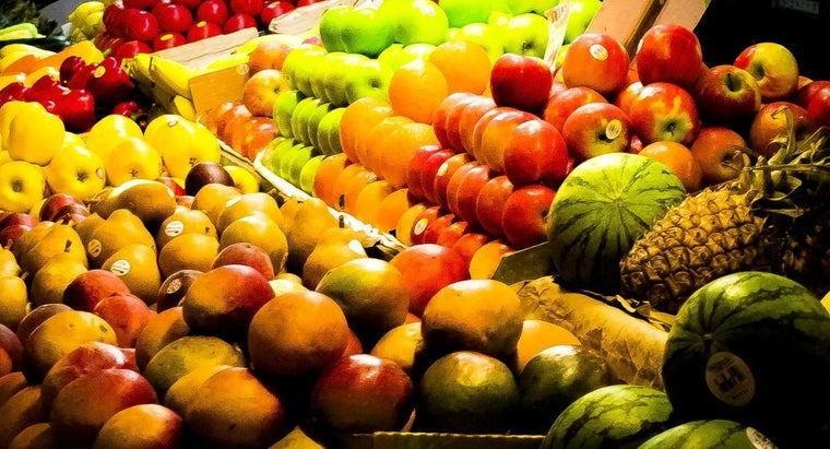 What Are Some High-Fructose Fruits to Avoid on a Low-Fructose Diet?