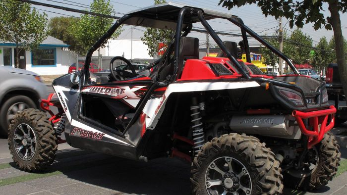 Is the Arctic Cat service manual available online?