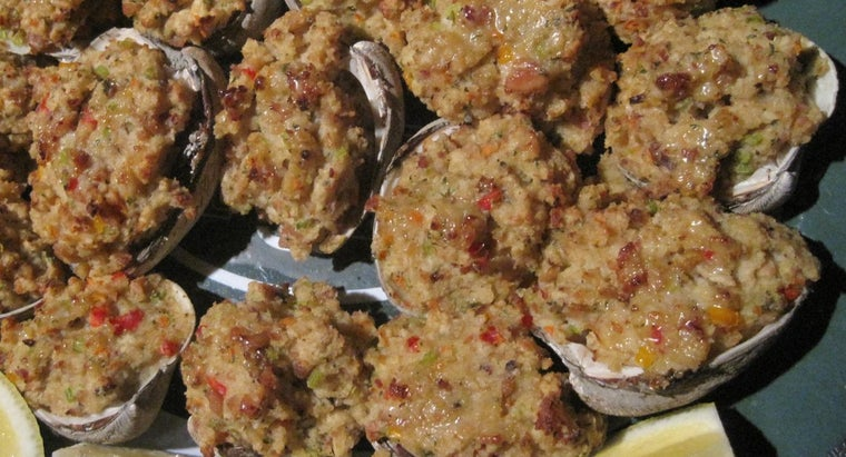 What Is a Recipe for Italian Baked Clams?