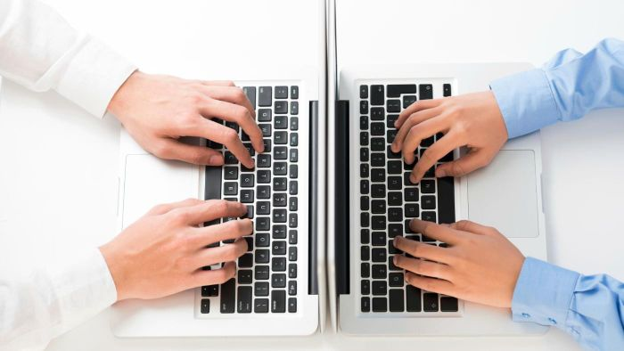 What Are Some Good Ways to Practice Typing Fast?