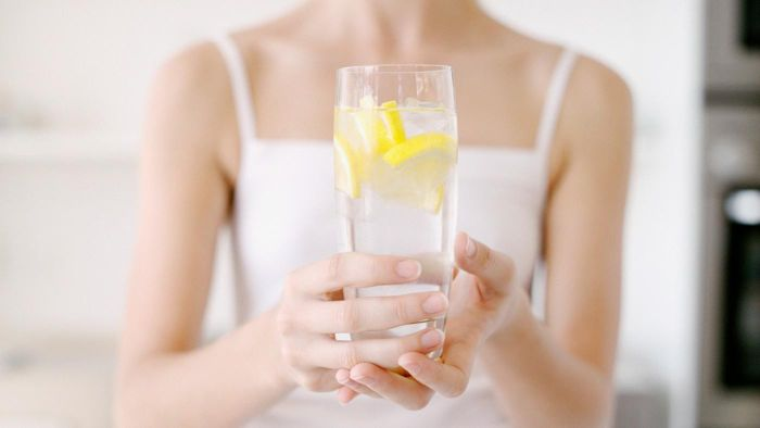 What Are the Benefits of Lemon Water?