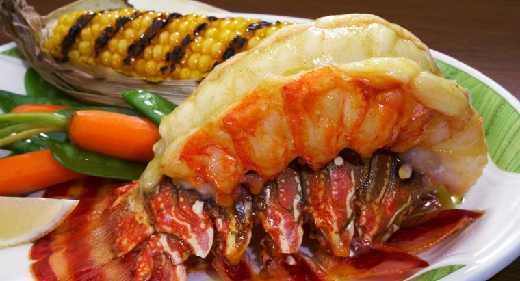 What Is a Recipe for Broiled Lobster Tail?