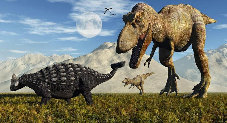 What Are Some Dinosaur Hunting Games Online?