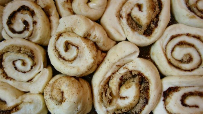 What Is an Easy Recipe for Sticky Buns?