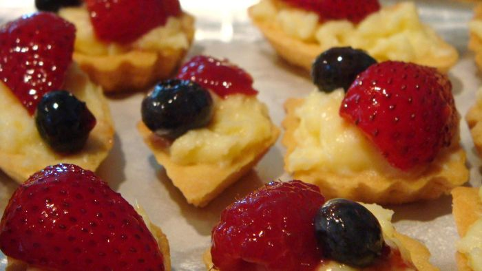 What Are Some Easy Fruit Pastry Recipes?