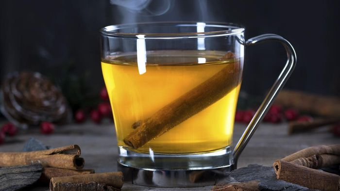 What Are the Ingredients for Making a Hot Toddy?