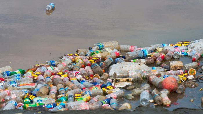 What Are Some Benefits to Recycling Plastic Bottles?