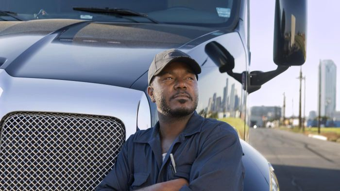 What are the top 10 trucking companies with the highest salaries?