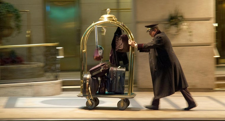 What Are Some Popular, Highly Rated Luggage Brands?