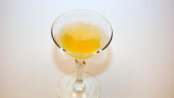 What Are the Ingredients in a Lemon Drop?