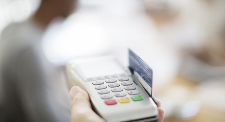 What Are Some Banks That Offer Free Checking Accounts?