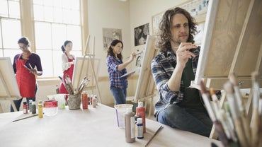 What Are Some Different Types of Art Courses?