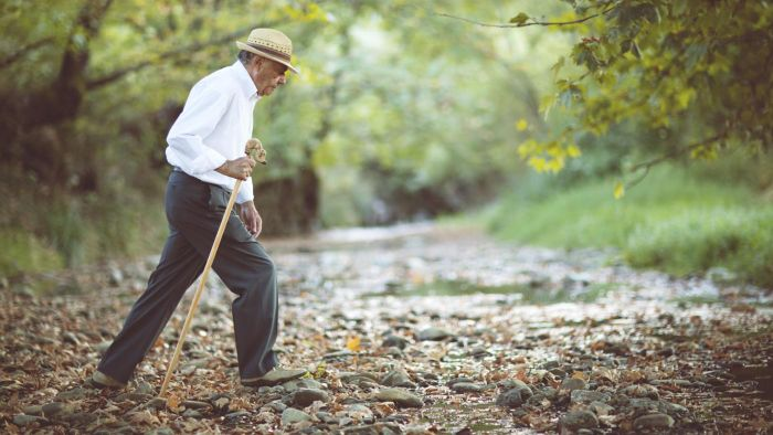 How Do You Use a Walking Cane?