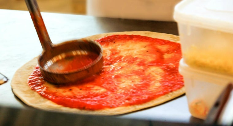 What Is a Recipe for Italian Pizza Sauce?