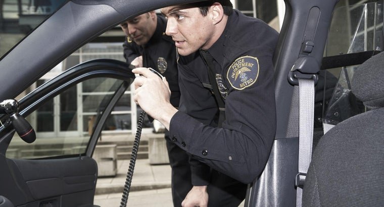 Can You Listen to Police Radio Frequencies for Free?