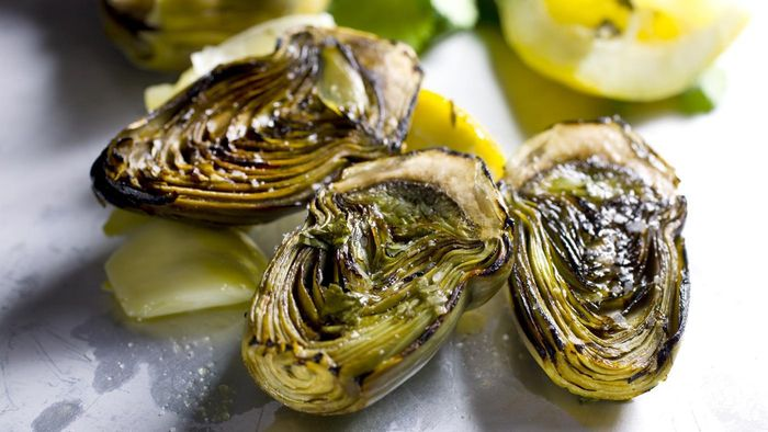What Is a Good Recipe for Baked Artichokes?