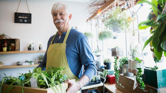 What are some good jobs for retirees?