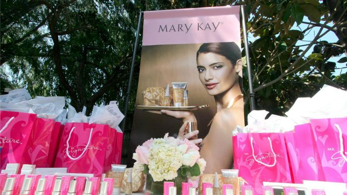 What Services Do Mary Kay Consultants Provide?