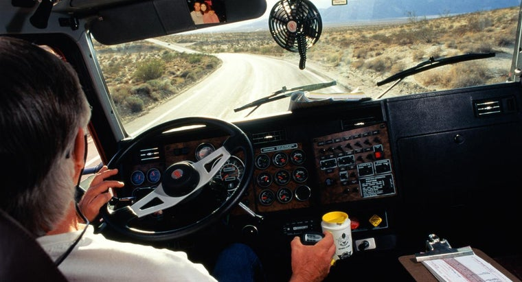 What Are the Minimum Requirements for Becoming a Truck Driver?