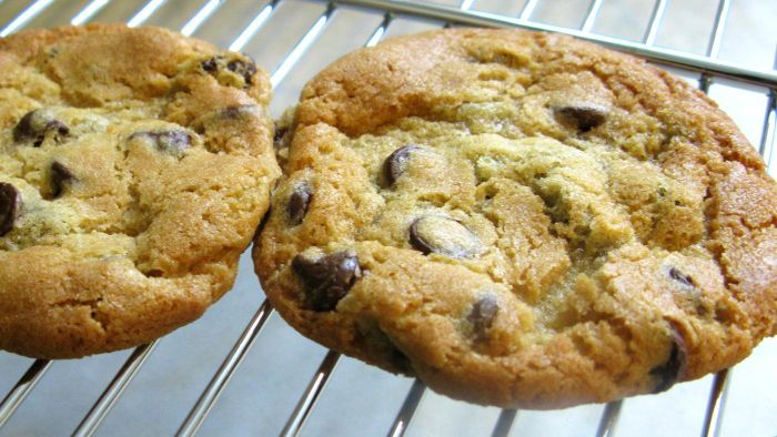 What Is an Easy Chocolate Chip Cookie Recipe?
