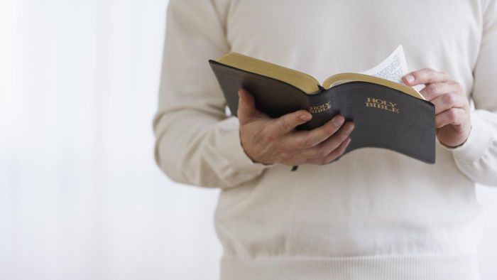 Can You Read the Holy Bible for Free Online?