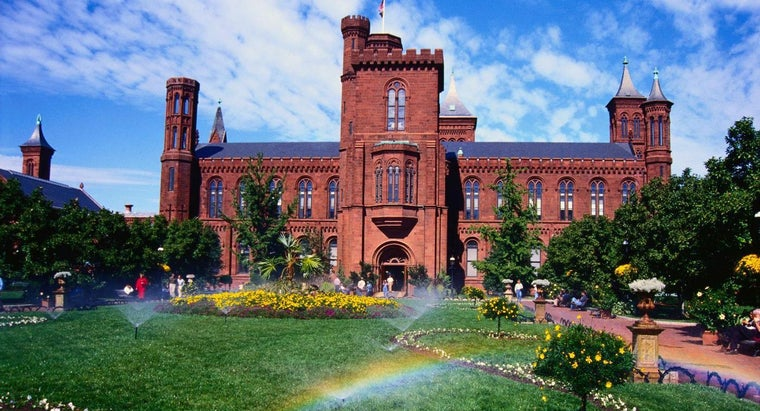 Who Designed the Smithsonian Castle?