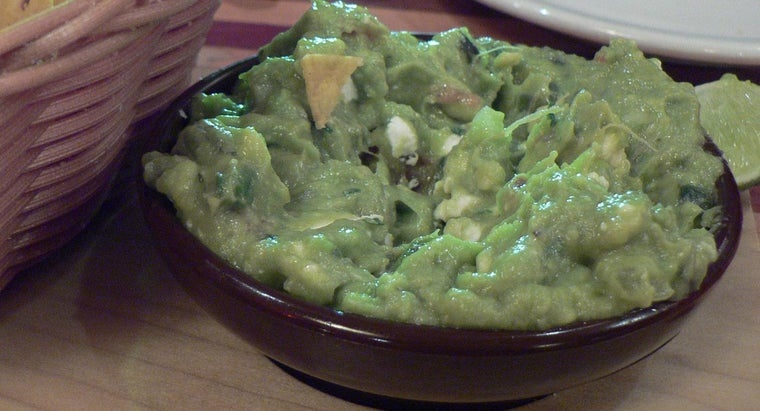 What Is a Simple Guacamole Dip Recipe?