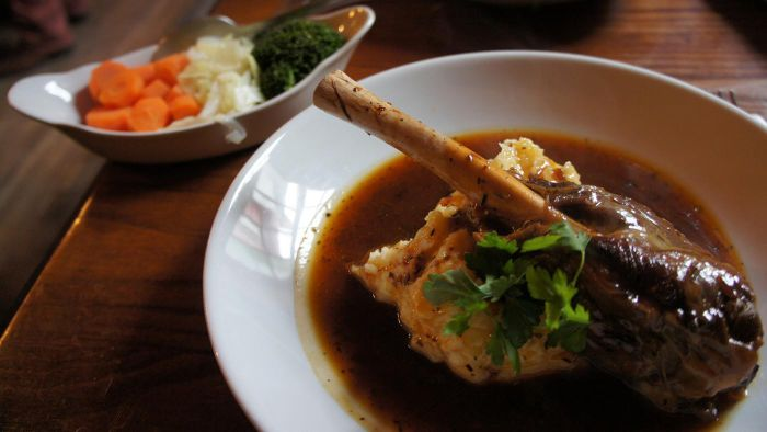 What Is a Basic Lamb Shank Recipe?