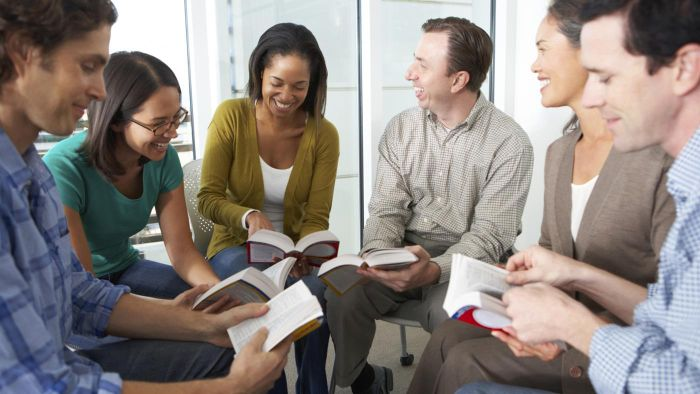 What Are Some Good Sources for Bible Study Fellowship Homiletics Worksheets?