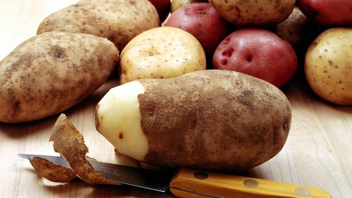 What Is the Correct Way to Freeze Uncooked Potatoes?