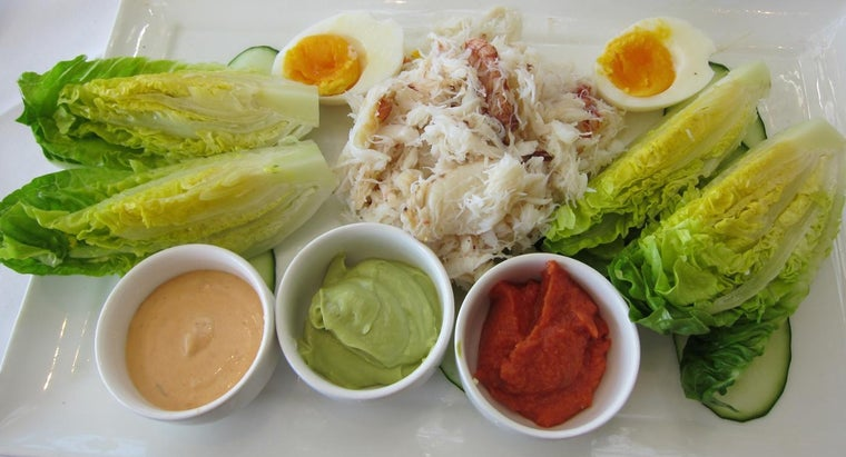 What Is a Simple Crab Salad Recipe?
