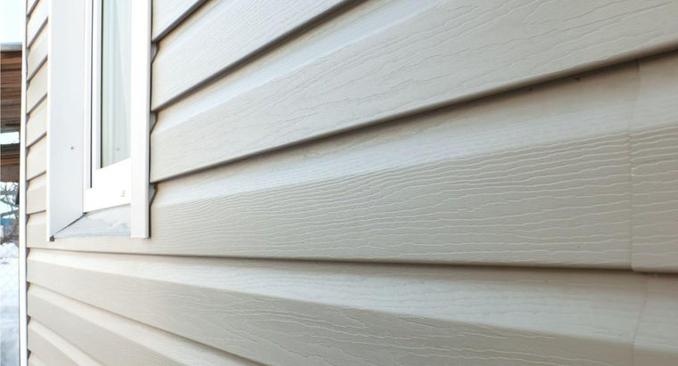 Is It Safe to Power Wash Vinyl Siding?
