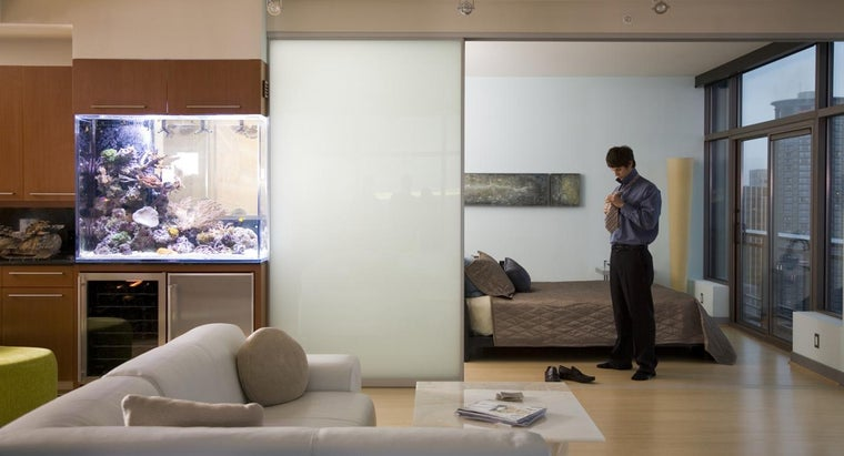 What Is the Difference Between a Studio Apartment and a Single Apartment for Rent?