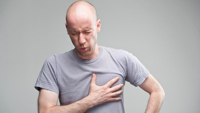 What Are Some Common Angina Symptoms in Men?