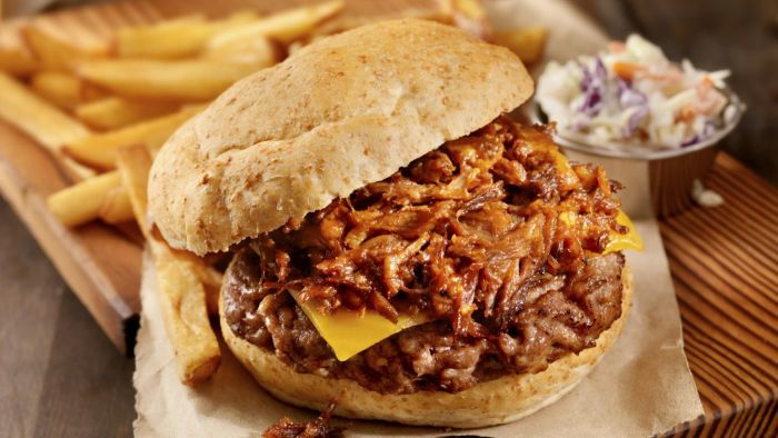 What Is a Good Slow Cooker Recipe for Pulled Pork?