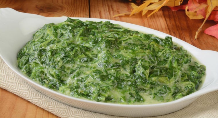 What Is an Easy Recipe for Making Creamed Spinach?