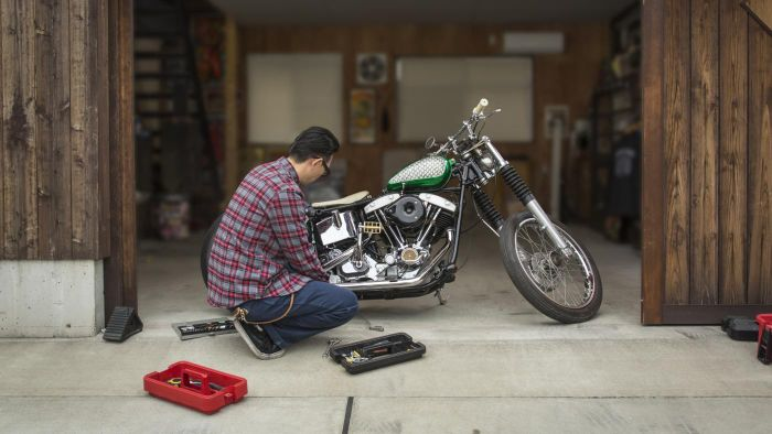 How Do You Change the Oil in a Motorcycle?