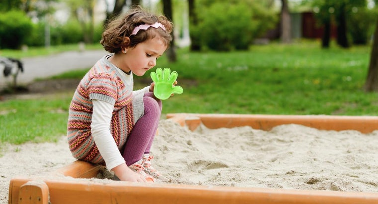 How Do You Calculate How Much Sand You Need for Your Child's Sandbox?